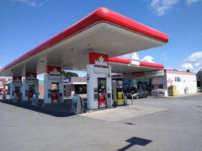 Dépanneur Petro-Canada (boul. St-Luc)